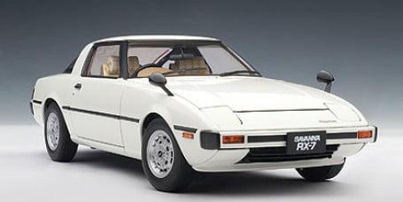 white SA 1:18 AUTOart Mazda Savanna RX-7