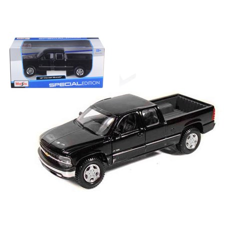 Chevrolet Silverado 1500 Pick Up Truck Black 1/27 Diecast Model by Maisto