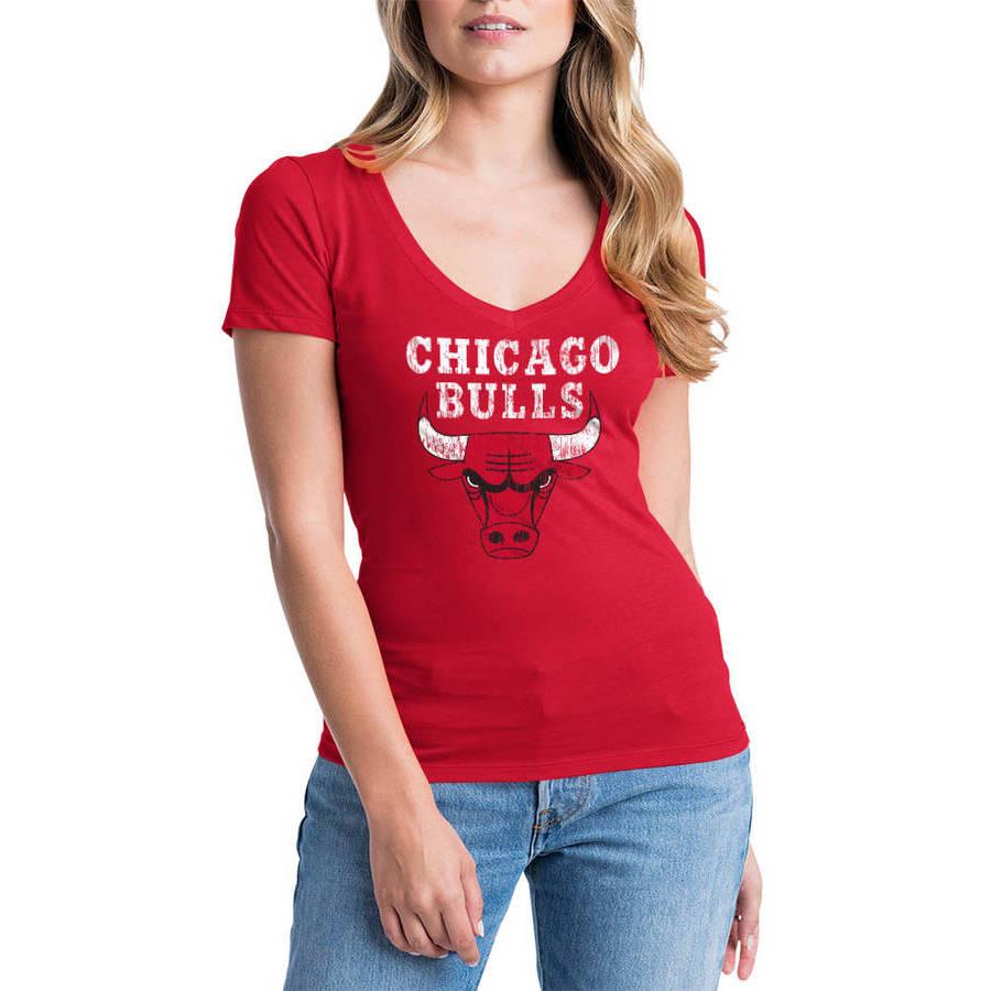 NBA Chicago Bulls Women's Short Sleeve V Neck Graphic Tee