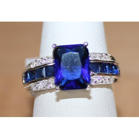 Very Pretty Silvertone Ring with Faux Dark Blue Stone Size 9 - Cheap Pretty Rings