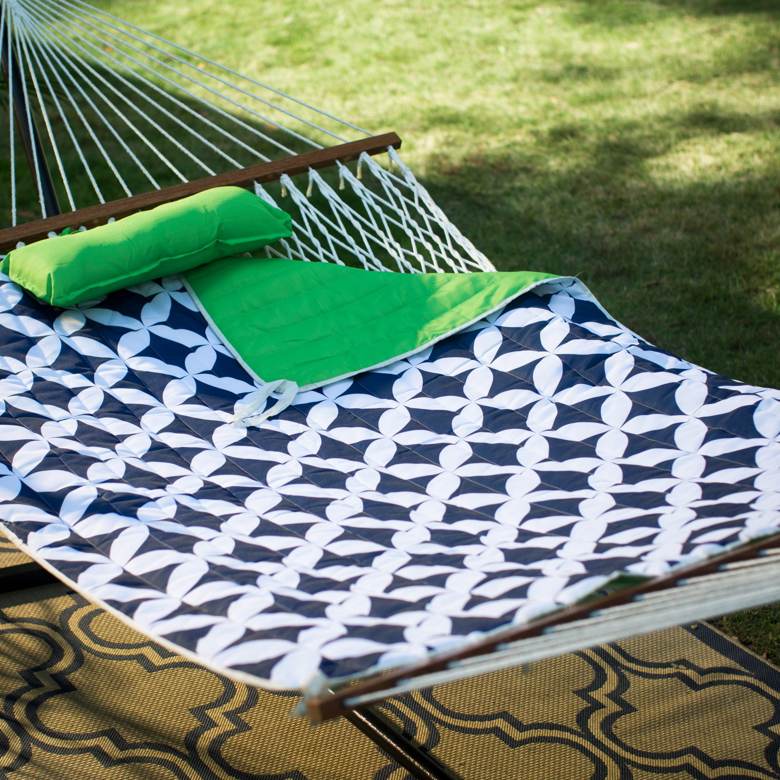 Island Bay 11 ft. Cotton Rope Double Hammock with Metal Stand Deluxe Set - Green/Navy