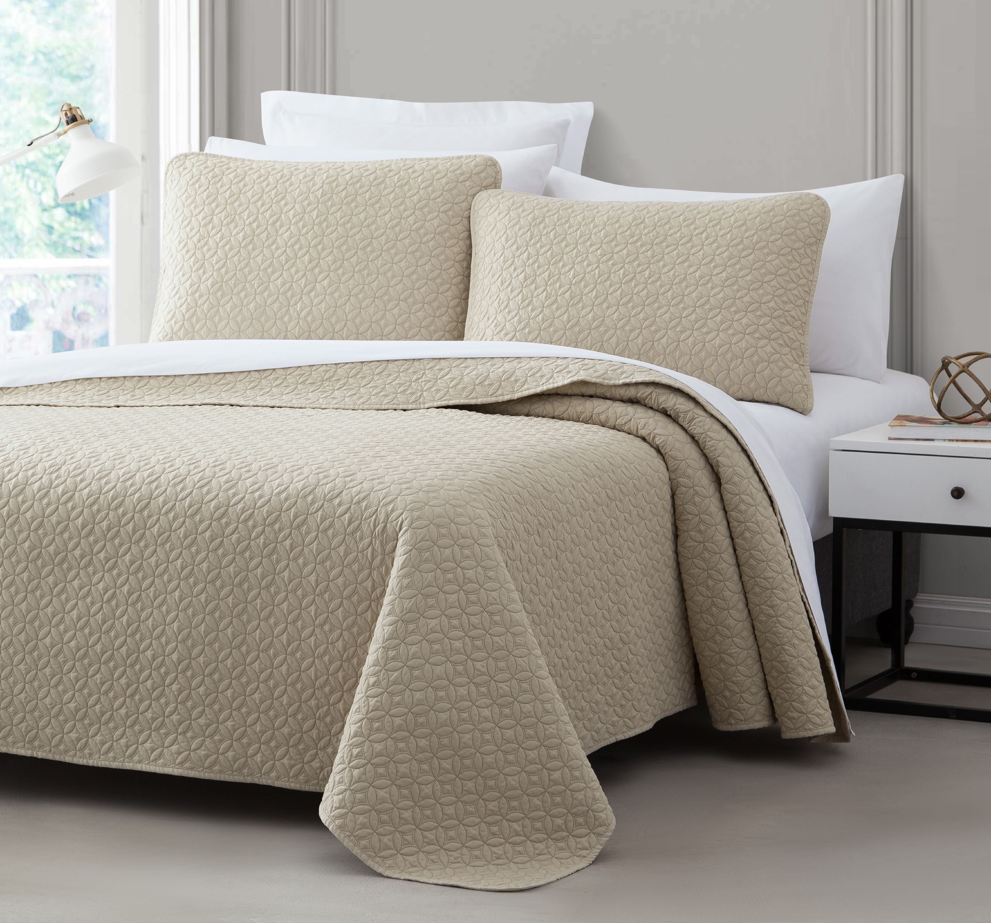 Cozy Beddings Titan 2-Piece Bedspread Coverlet Set