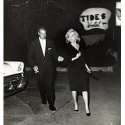 Marilyn Monroe and Joe DiMaggio Photo Print  (8 x 10)