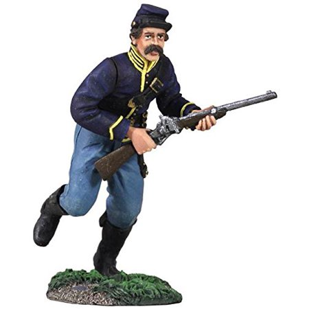 W. Britain 31218 Union Cavalry Trooper Dismounted Charging No.1, 1:30th Scale, 60mm, approx. 2.5 inches tall By W