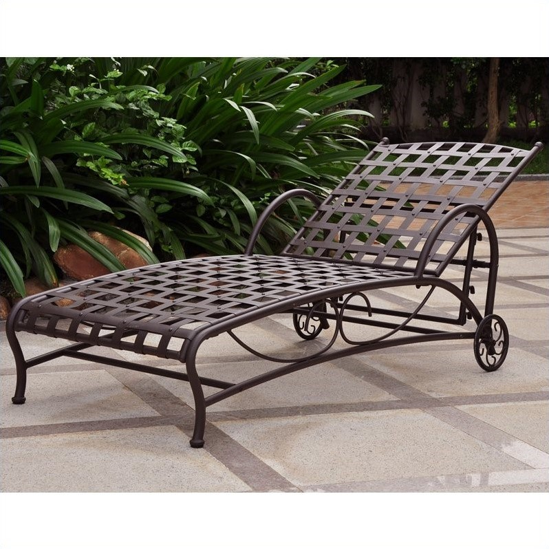 International Caravan Santa Fe Iron Chaise Lounge in Antique Black