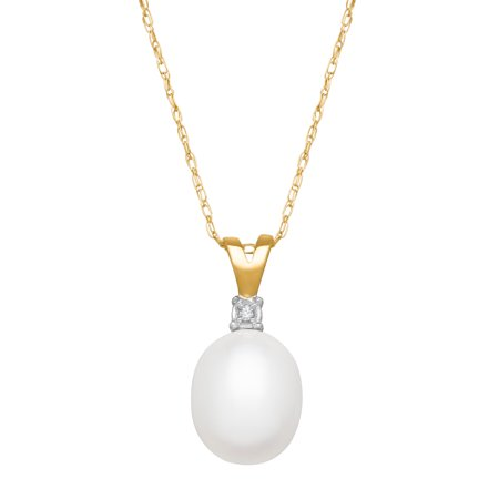 Freshwater Pearl Pendant Necklace with Diamond in 10kt Yellow Gold