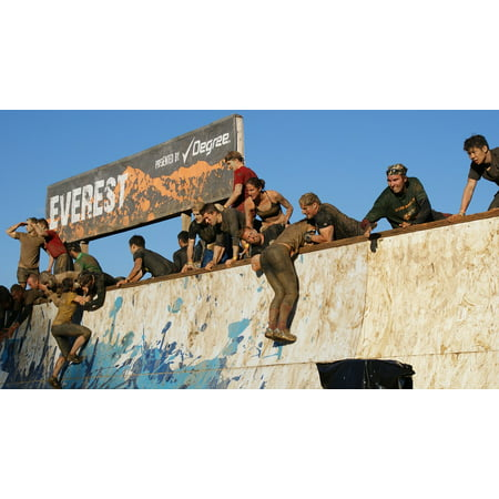LAMINATED POSTER Tough Mudder Teamwork Dirt Rally Race Tough Mud Poster Print 24 x (Best Trainers For Tough Mudder)