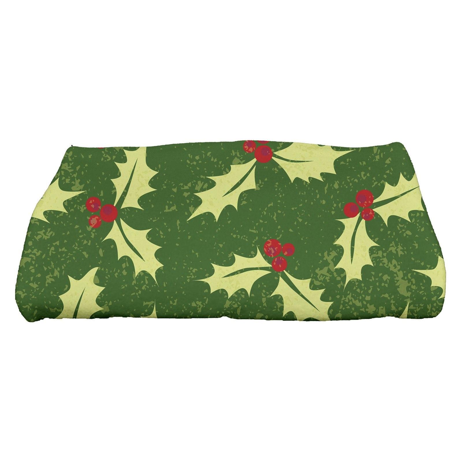 E by design Allover Holly Decorative Holiday Floral Print Bath Towel 28 x 58 Green THFN697GR7GR21