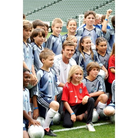 David Beckham With Young Soccer Players At The Press Conference For David Beckham Launches Home Depot Soccer Academy The Home Depot Center Stadium Club Carson Ca Thursday June 02 2005 - Soccer Player Photo
