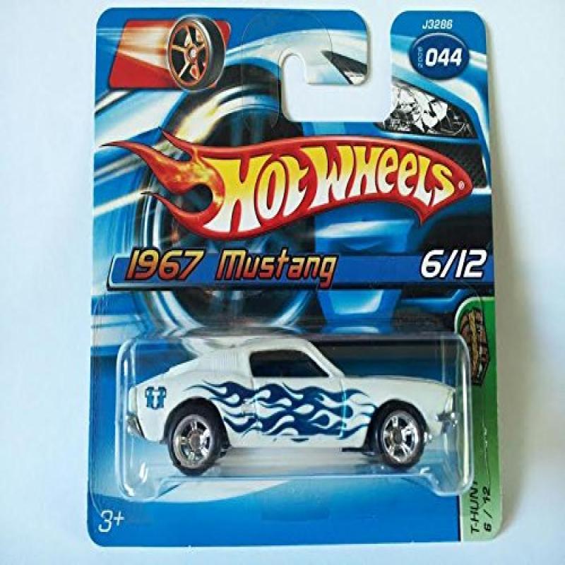 Mattel 2006 Hot Wheels Treasure Hunt 1967 Mustang Short Card
