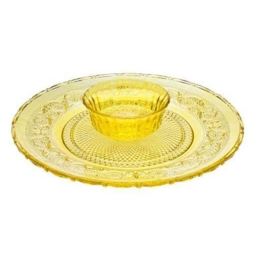 StudioSilversmiths 30109 Renaissance Chip and Dip Tray - Yellow