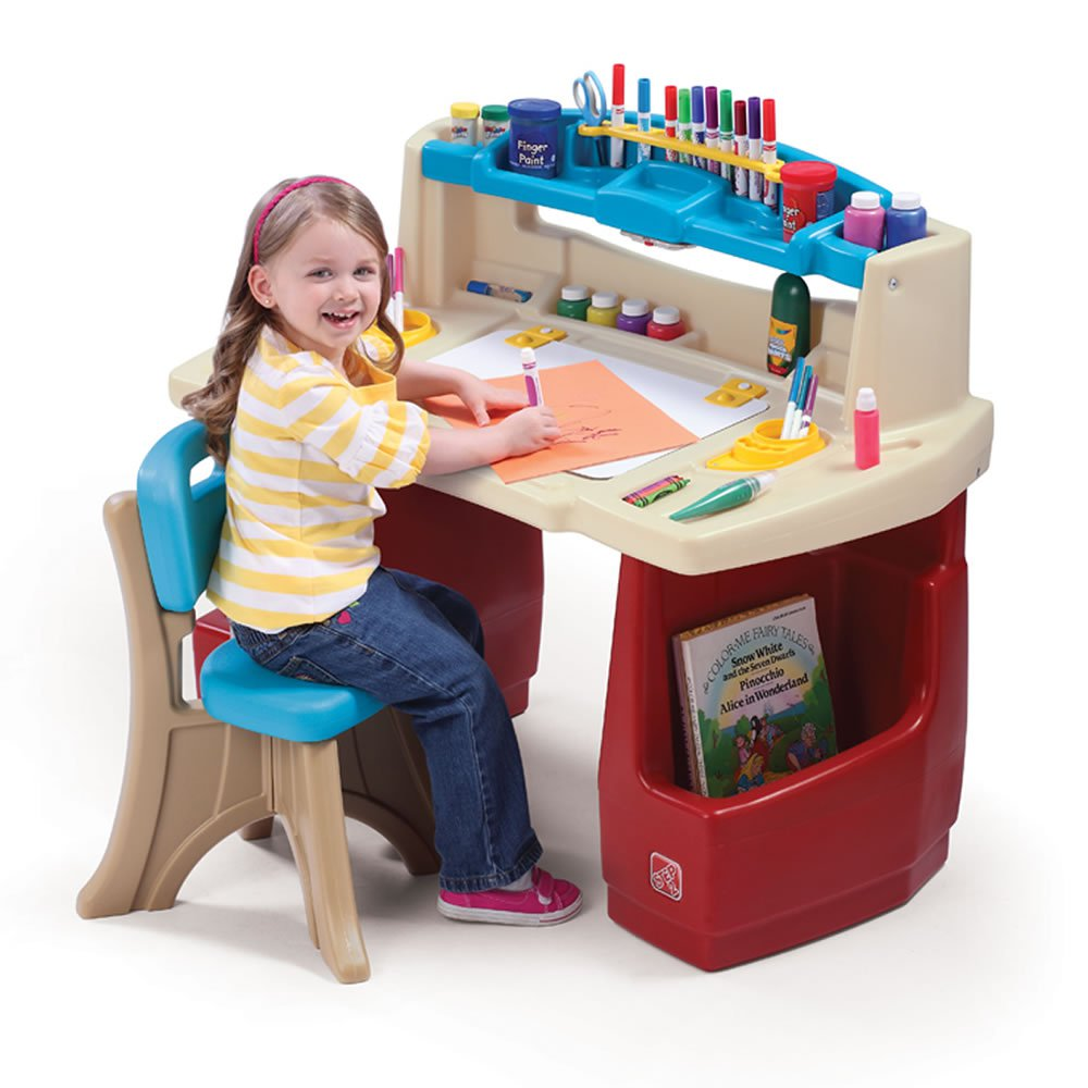 Step2 Deluxe Art Master Desk Comes With A Comfortable New Traditions Chair Com