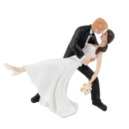 wedding cake topper groom dipping bride groom dip hug figurine wedding cake 26328