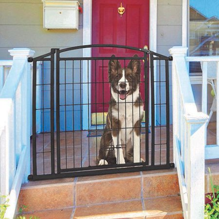 carlson pet products 460 outdoor walk thru gate with small pet door