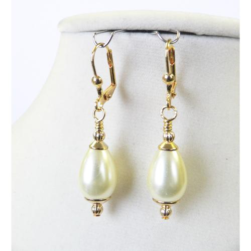 Palmtree Gems Louise' Pearl Teardrop Earrings