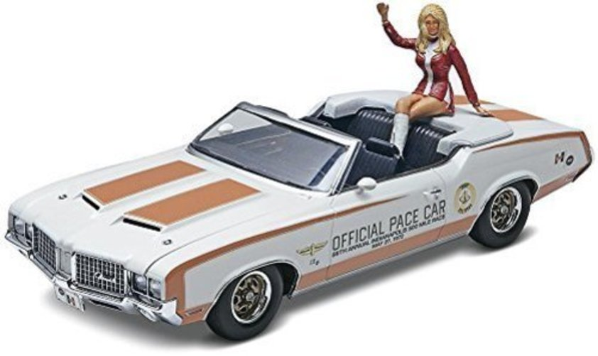 Revell 1972 Oldsmobile 442 Pace Car with figure by Revell