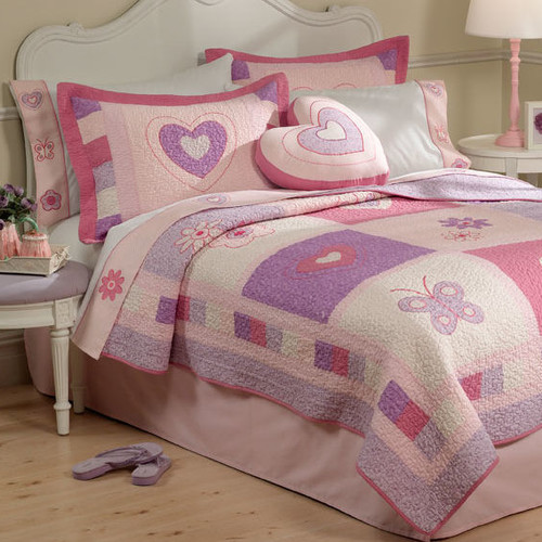 My World Spring Hearts Quilt with Pillow Sham