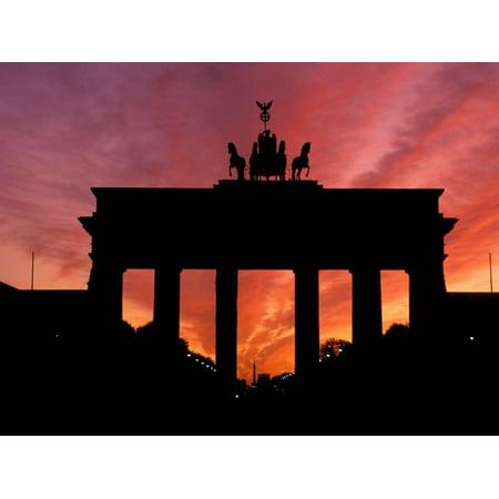 Brandenburg Gate, Unter Den Linden, Berlin, Germany Print Wall Art By Dave (Gate Unter Den Linden Berlin)
