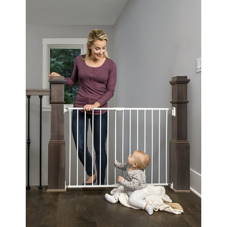 Regalo Extra Wide 2-in-1 Stairway and Hallway Safety Gate with Mounting