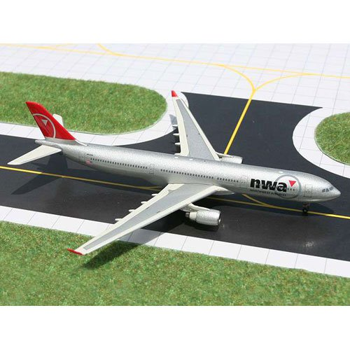Gemini Jets Diecast Northwest A330-300 Model Airplane by Daron