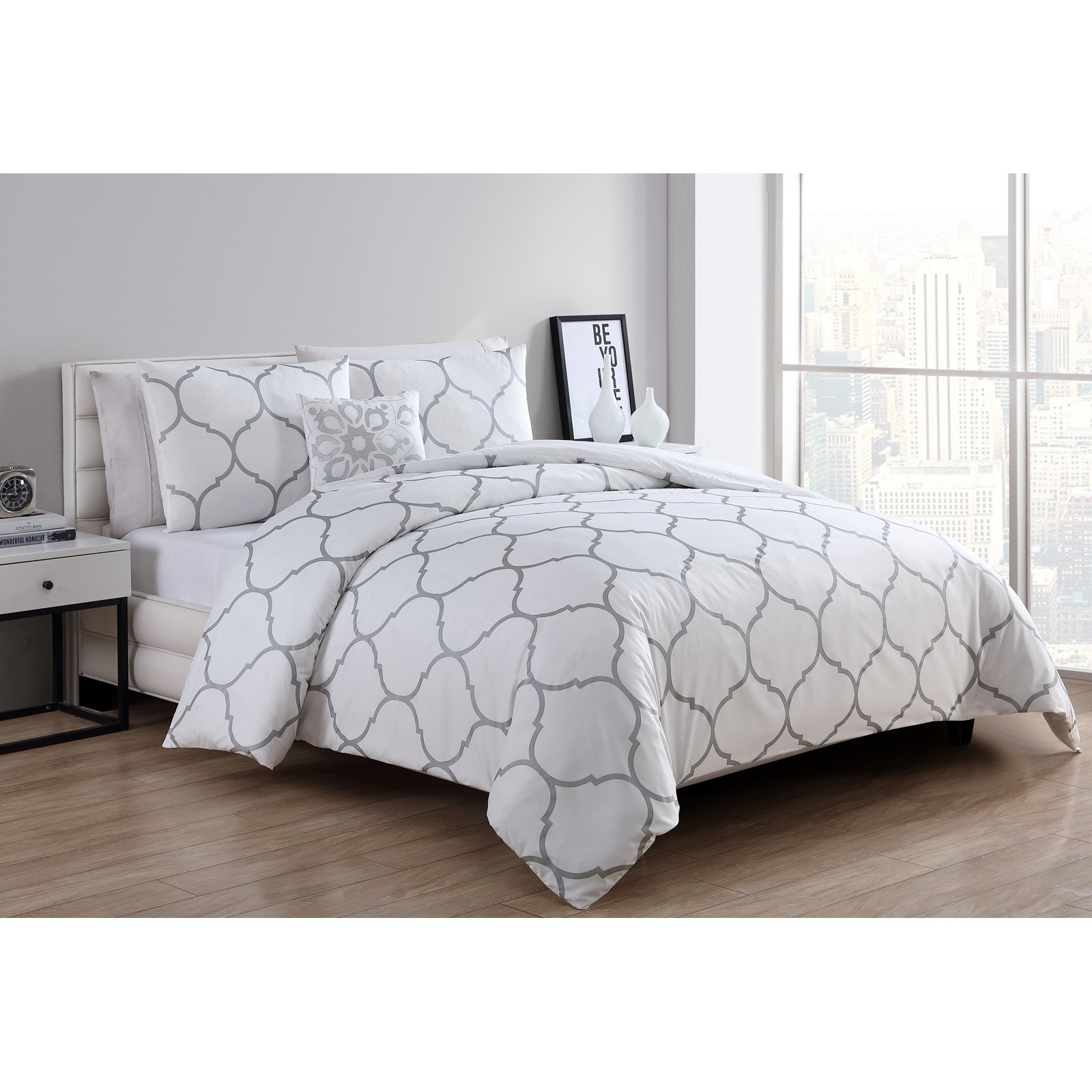VCNY Home Ogee 3/4 Piece Comforter Bedding Set, Shams Included