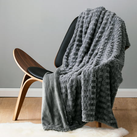 Bedsure Faux Fur Reversible Fleece Blanket Twin Size– Super Soft Fuzzy Lightweight Blanket for Couch Chair Sofa and Bed ()