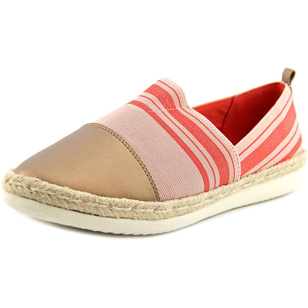 Easy Spirit Ordell  W Round Toe Canvas  Flats
