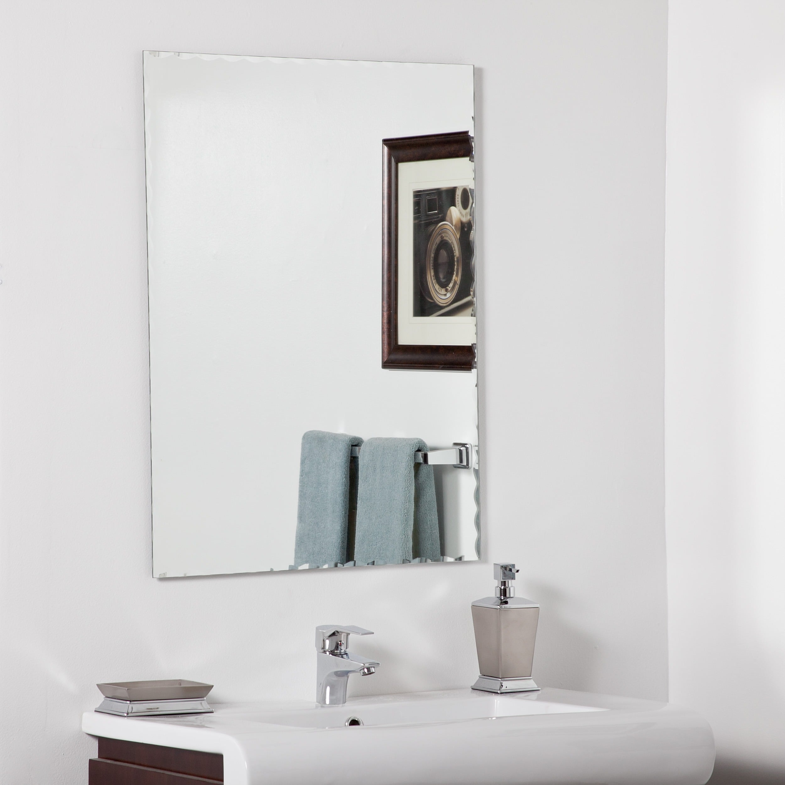 Decor Wonderland Madeline Modern Bathroom Mirror by Overstock