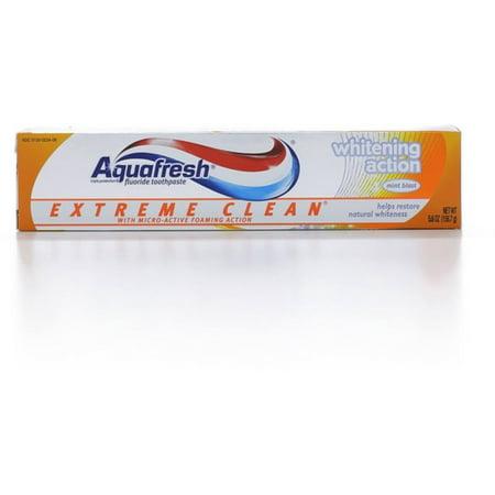 - 2 Pack - Aquafresh Extreme Clean Fluoride Toothpaste, Whitening Action 5.60 oz