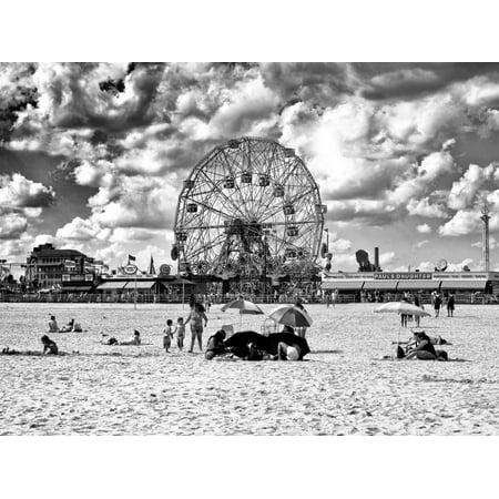 Vintage Beach, Black and White Photography, Wonder Wheel, Coney Island, Brooklyn, New York, US Print Wall Art By Philippe (Wonder Wheel Coney Island)