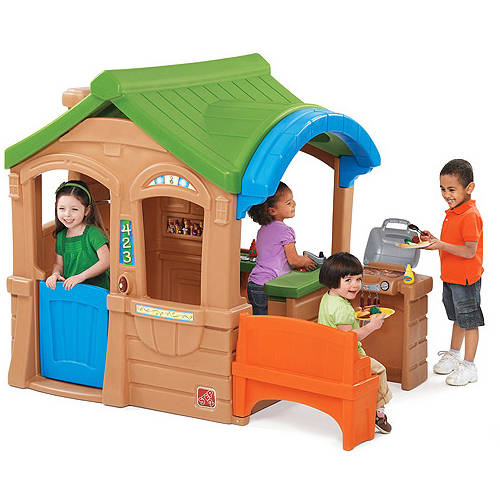 Step2 Gather & Grille Playhouse with 5pc Accessory set for Toddlers by Step2