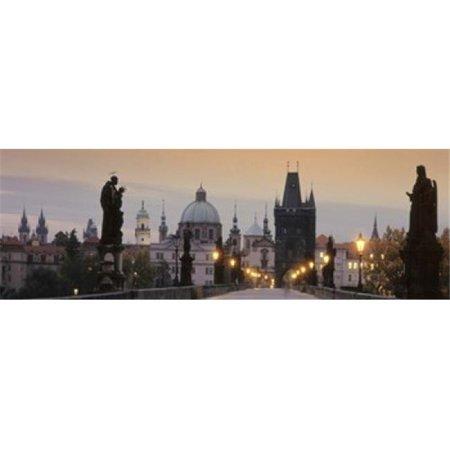 Images panoramiques PPI92053L Lit Up pont - la copie d'affiche Cr-puscule Pont Charles de Prague en R-publique tch-que par images panoramiques - 36 x 12 - image 1 de 1