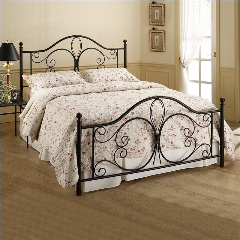 Hawthorne Collections Queen Antique Metal Poster Bed in Brown