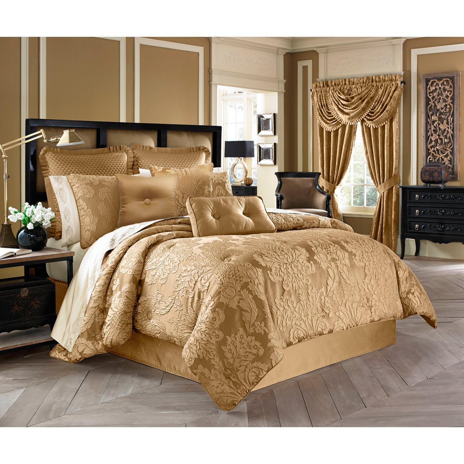 Colonial 4 Piece Comforter Set by Five Queens Court