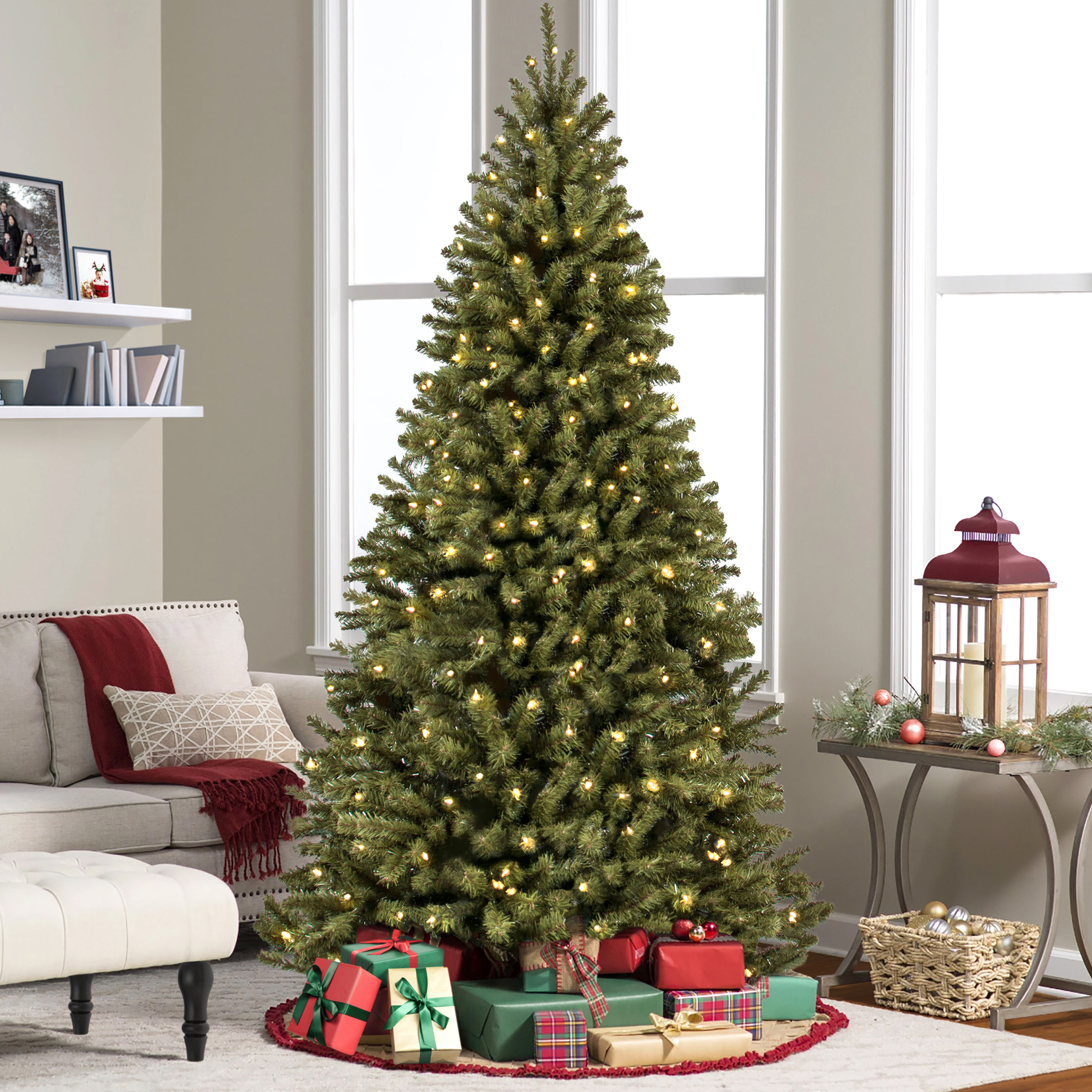 Best Choice Products 7.5ft Pre-Lit Spruce Hinged Artificial Christmas Tree w/ 550 LED Lights, Foldable Stand - Green