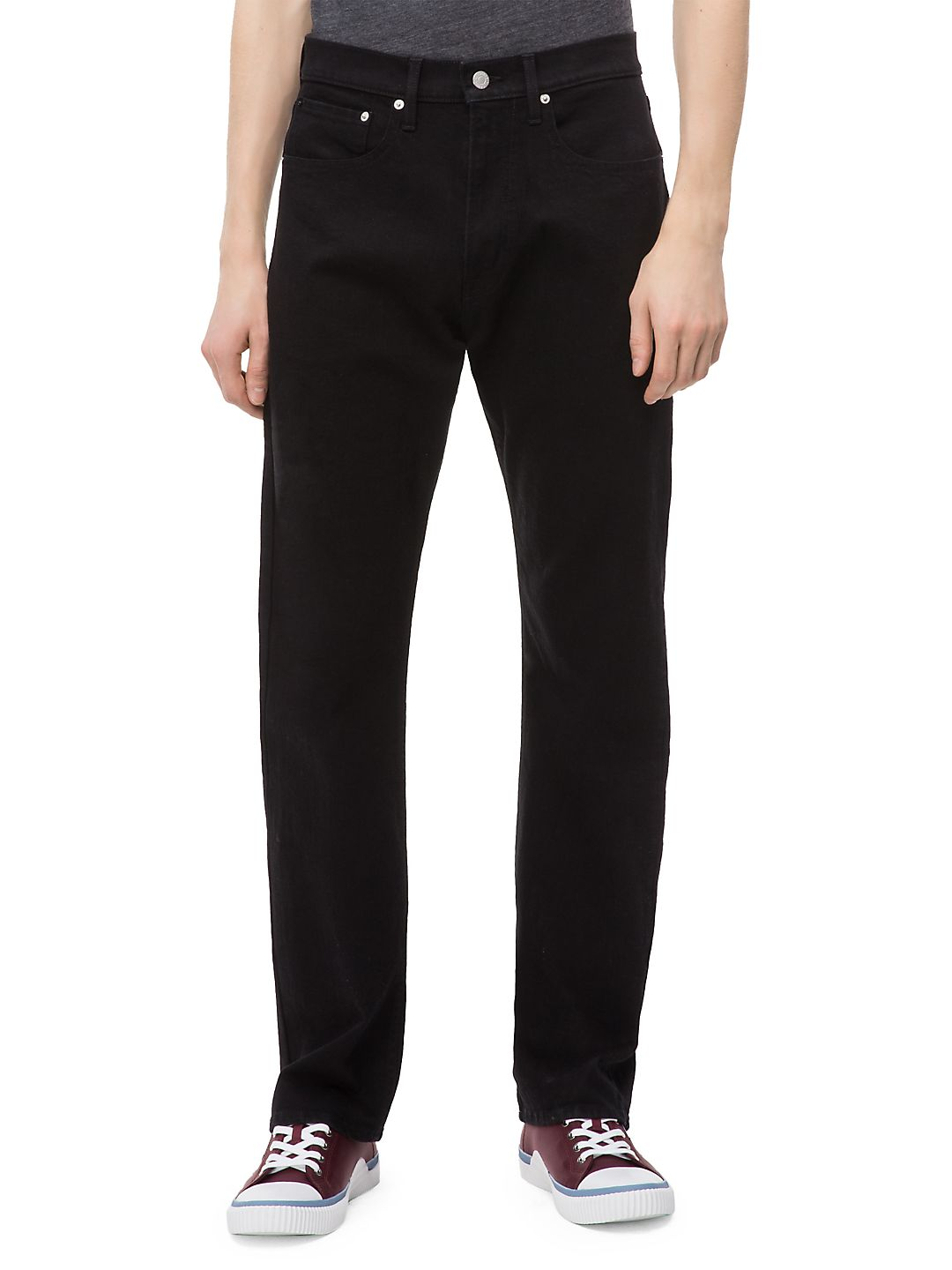 037 Relaxed Straight-Fit Jeans