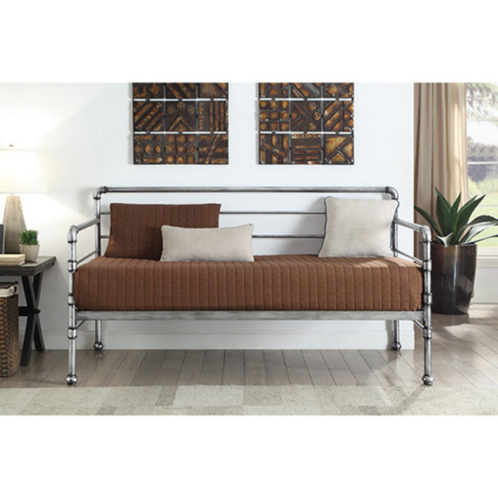 K&B Furniture Metal Daybed with Optional Trundle