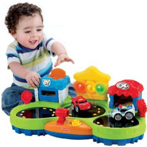 Fisher-Price Lil' Zoomers Chase and Race Town Play Set
