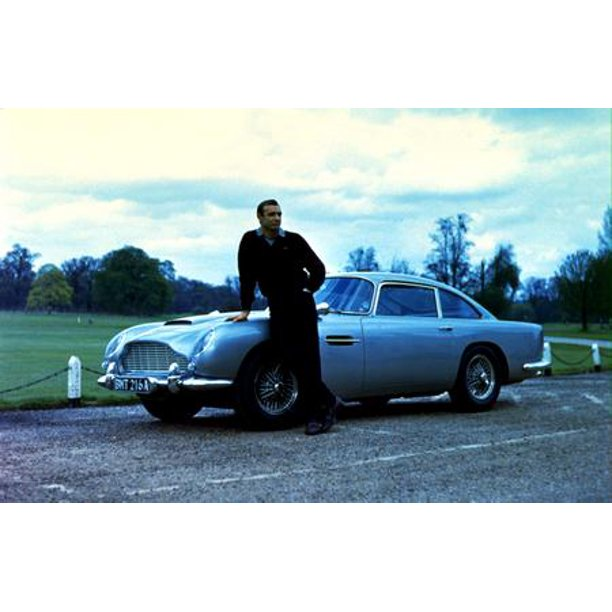 Sean Connery Poster James Bond Aston Martin 16 X24 Poster Medium Art Poster 16x24 Walmart Com Walmart Com