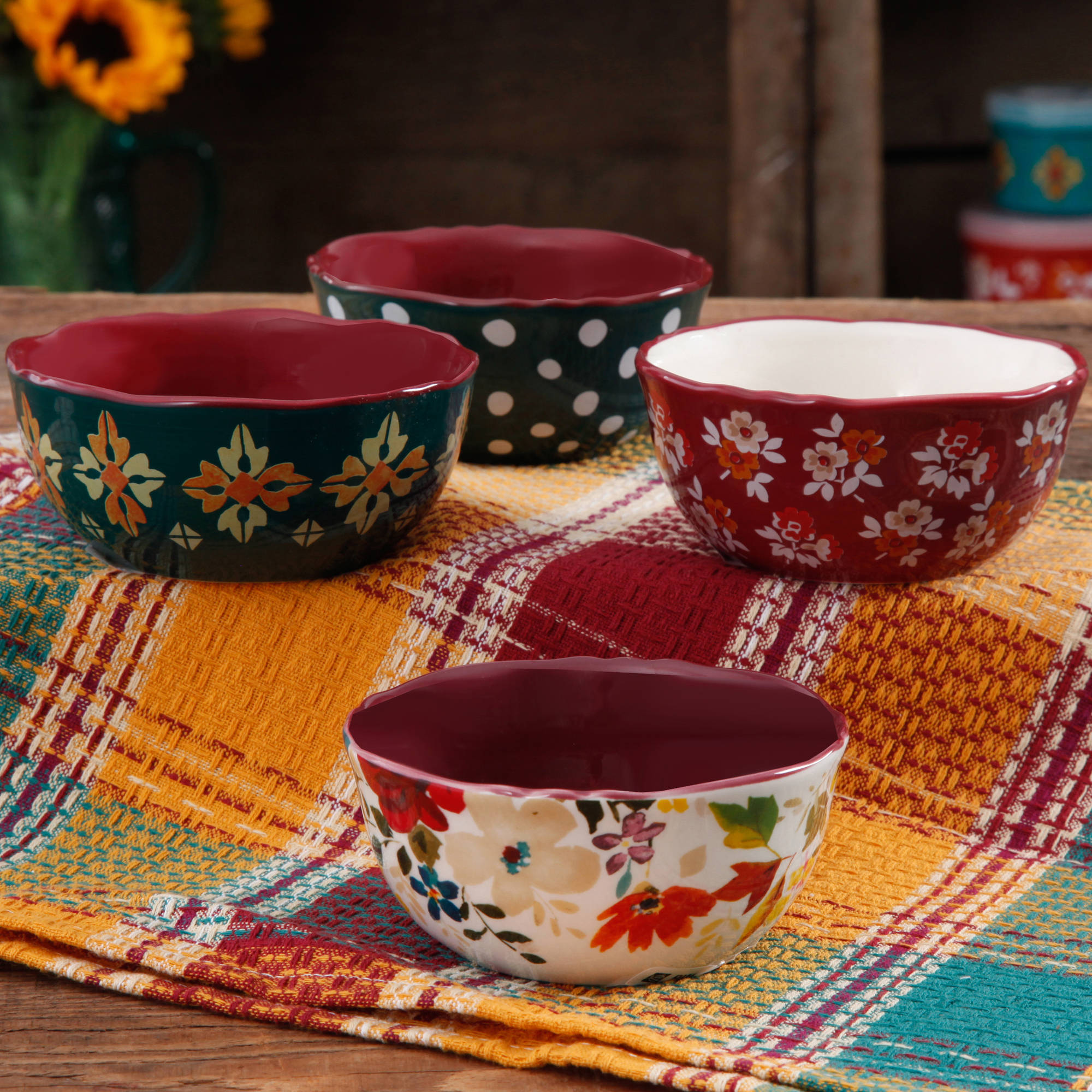 The Pioneer Woman 4.5  Fruit Bowl Set, 4-Pack