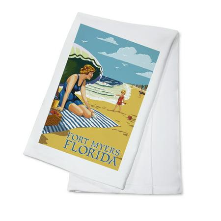 Fort Myers Beach, Florida - Woman on Beach - Lantern Press Artwork (100% Cotton Kitchen (For Women Fort Myers)
