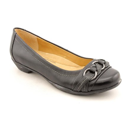- Softspots Posie Women N/S Round Toe Leather Black Flats