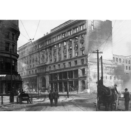 San Francisco Earthquake Nemporium Department Store On Market Street Following The Earthquake Of 18 April 1906 Rolled Canvas Art -  (24 x 36) ()