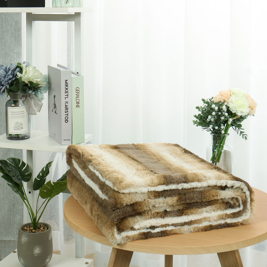 """Reversible Thick Gradient Striped Faux Fur Throw Blanket with White Berber Reverse for Couch/Sofa,Brown 50"""" x 60"""""""