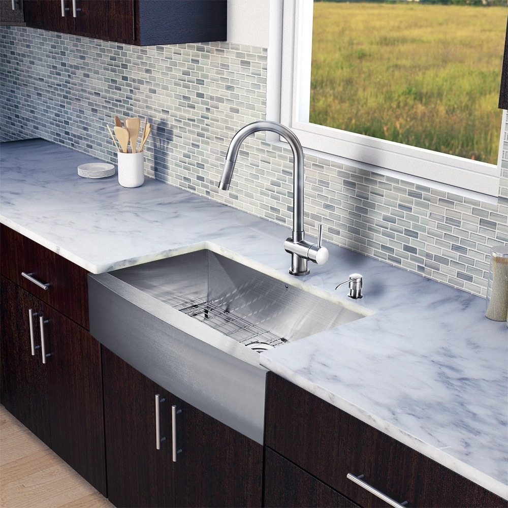 "Vigo  All-In-One 33"" Camden Stainless Steel Farmhouse Kitchen Sink Set With Gramercy Faucet In Stainless Steel"