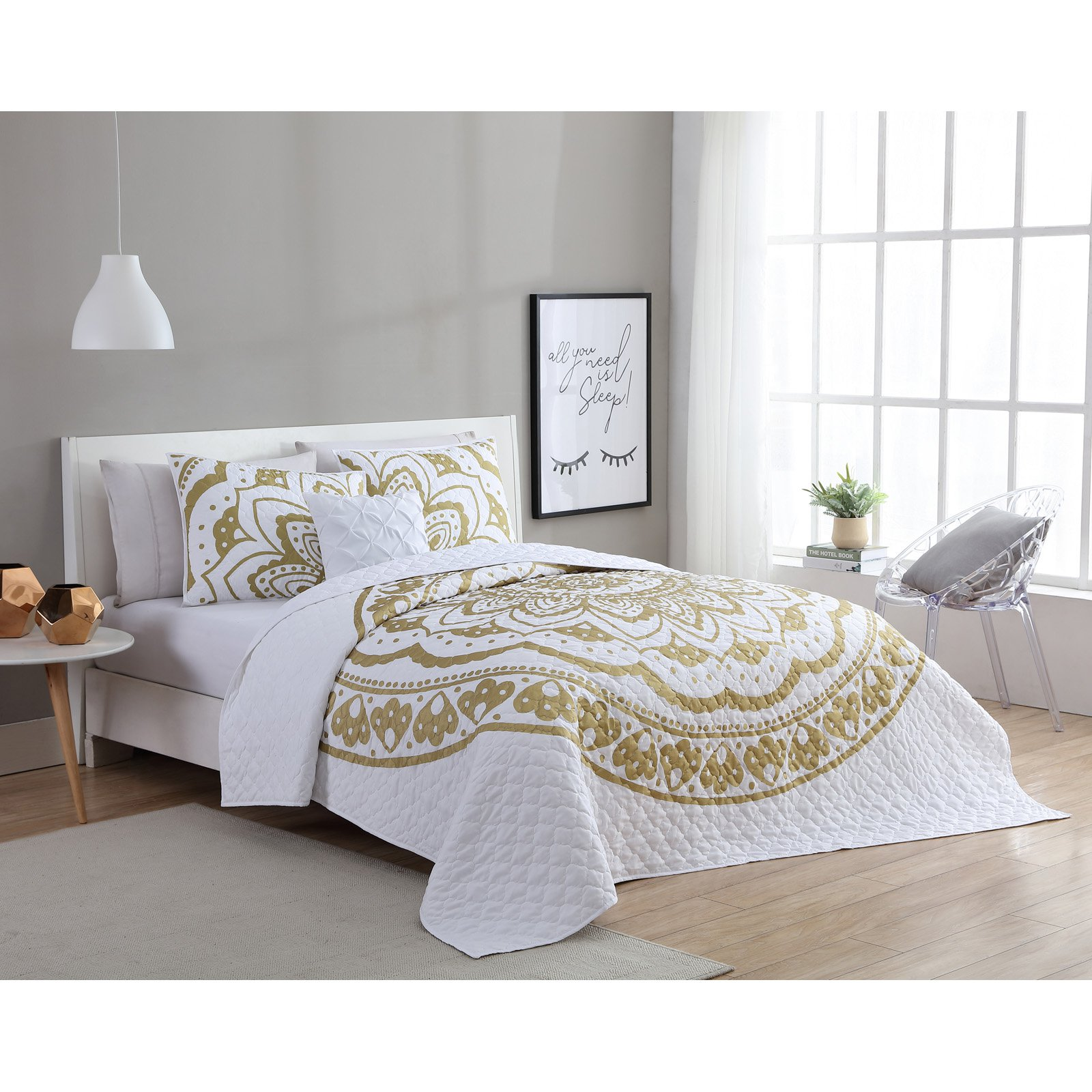 VCNY Home Karma Gold/White 3/4-Piece Quilt Bedding Set, Shams and Decorative Pillow Included