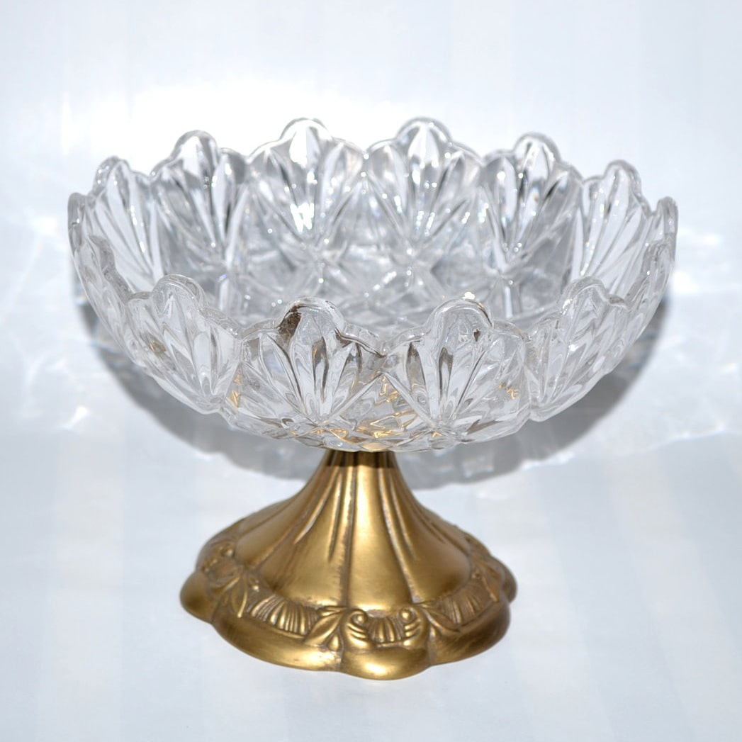 3starimex Threestar Clear Crystal/Goldtone Round Serving Dish (5.5 x 8 inches)