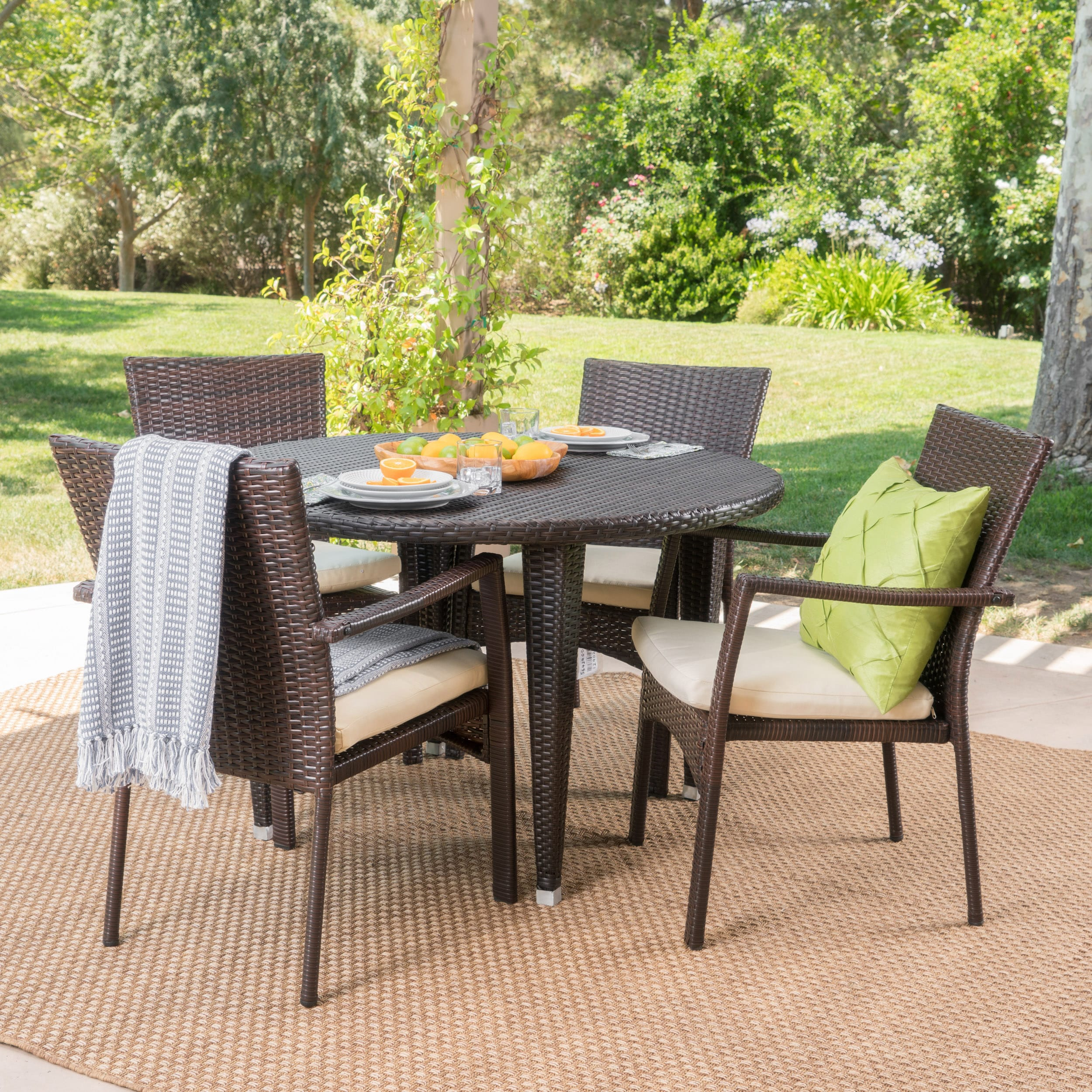 Christopher Knight Home Mussel Rock Outdoor 5-piece Round Dining Set with Cushions by