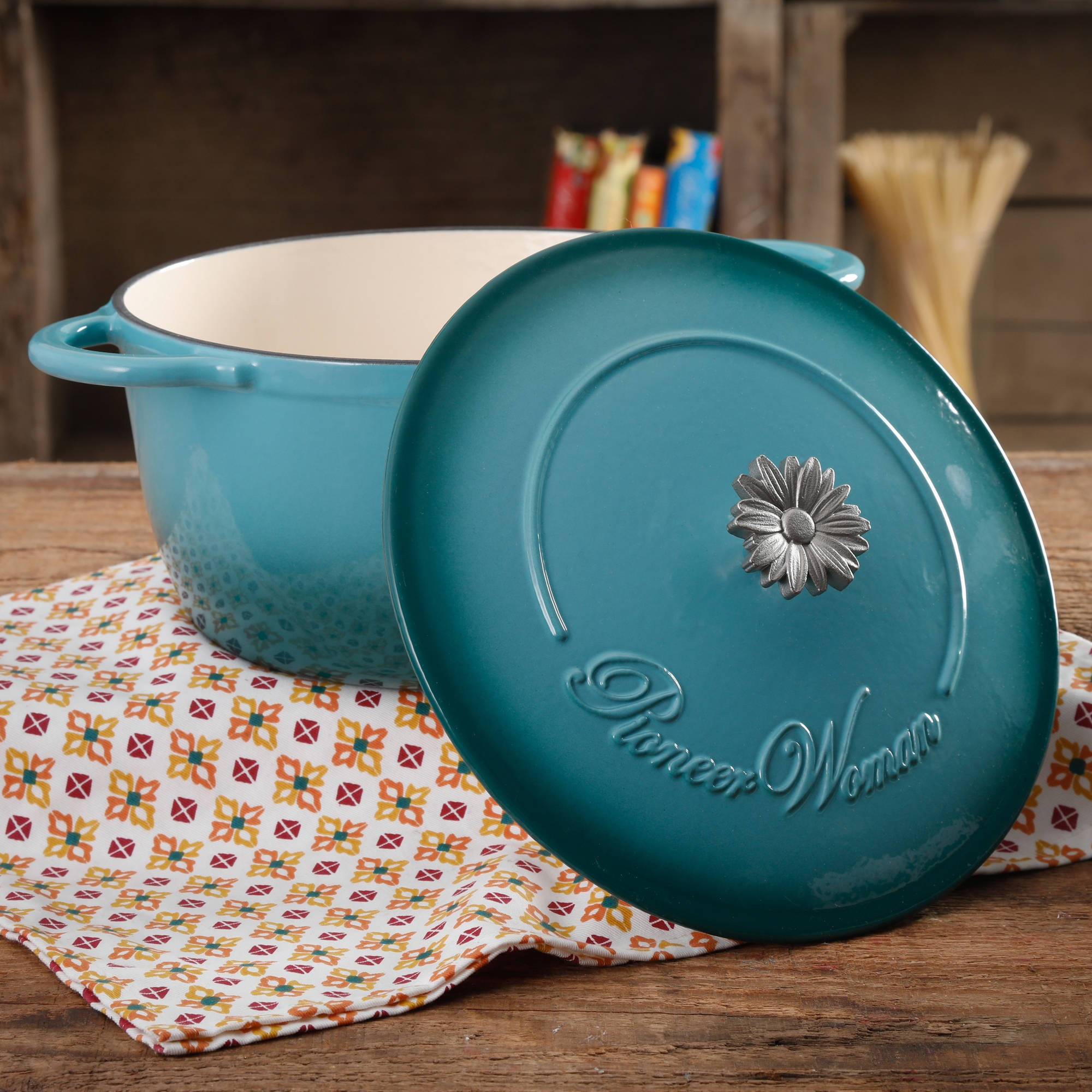 The Pioneer Woman Timeless Beauty Gradient 5-Quart Dutch Oven with Daisy and Bakelite Knob by Gibson Overseas Inc.