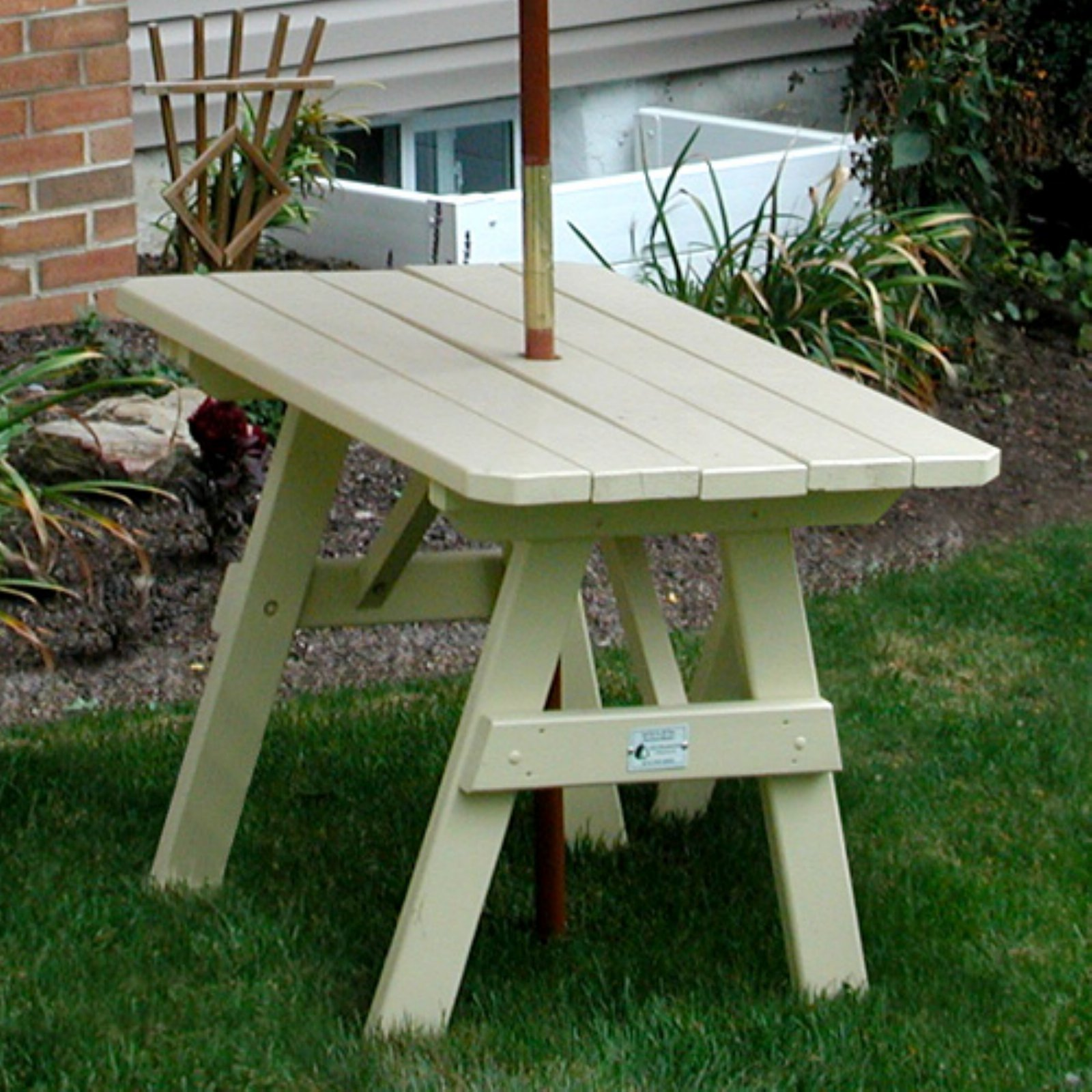 A & L Furniture Yellow Pine Traditional Picnic Table
